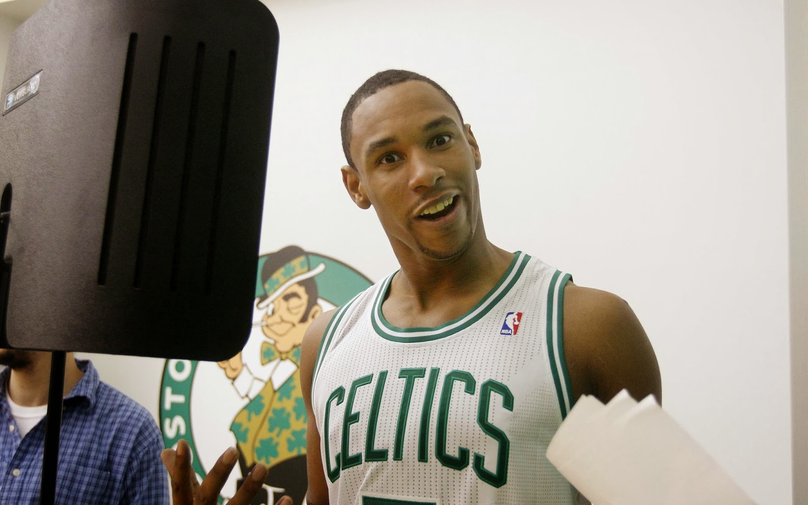 xJared-Sullinger-Boston-Celtics-wallpaper.jpg.pagespeed.ic.hsUJWygOIL
